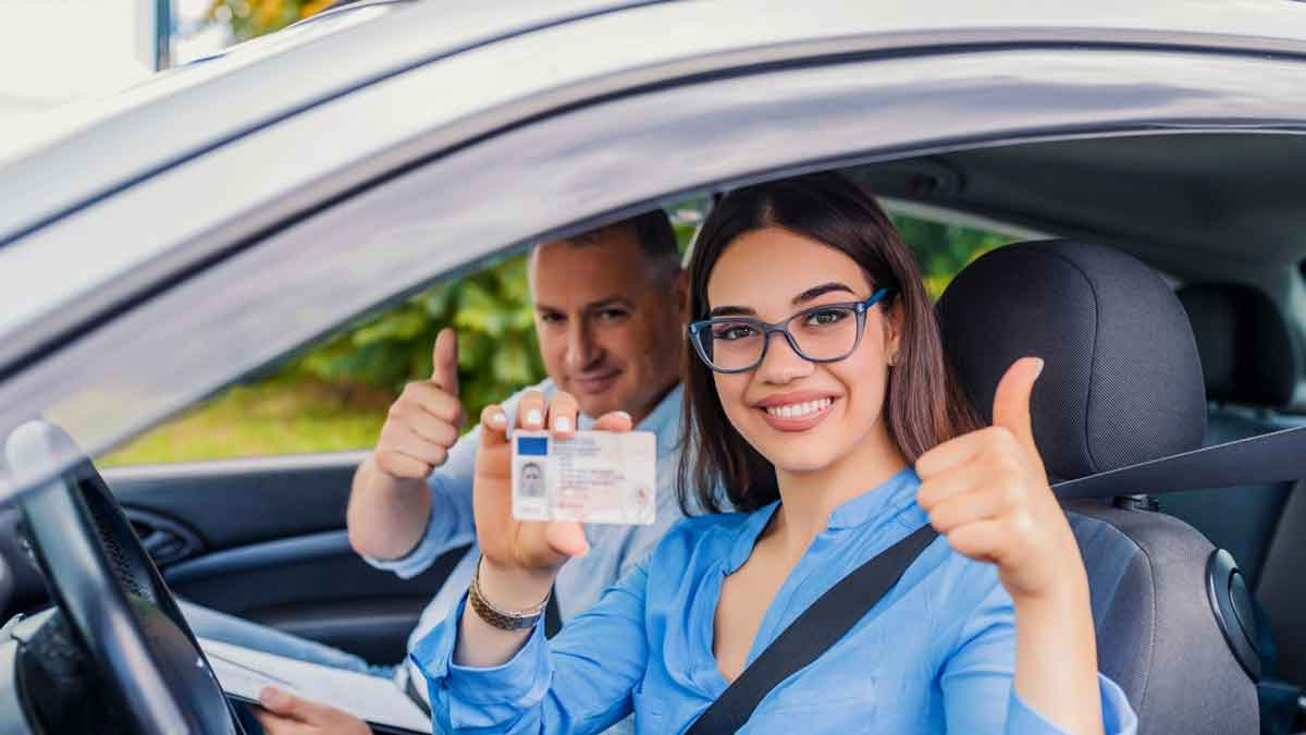 examinee got the driving license after passing the test